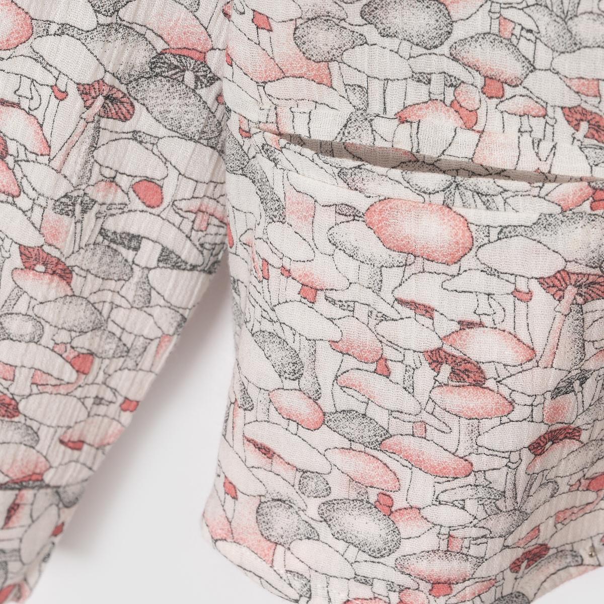 Блузка из крепа с рисунком грибы, 3-12 летБлузка с длинными рукавами из жатого крепа с рисунком грибы. Закругленный отложной воротник. Застежка и манжеты на пуговицах. 2 прорезных кармана снизу .Состав и описание : Материал       100% хлопкаМарка       abcdR  Уход :Машинная стирка при 30 °C с вещами схожих цветов.Стирать и гладить с изнаночной стороны.Машинная сушка в умеренном режиме.Гладить при умеренной температуре.<br><br>Цвет: набивной рисунок<br>Размер: 3 года - 94 см.8 лет - 126 см