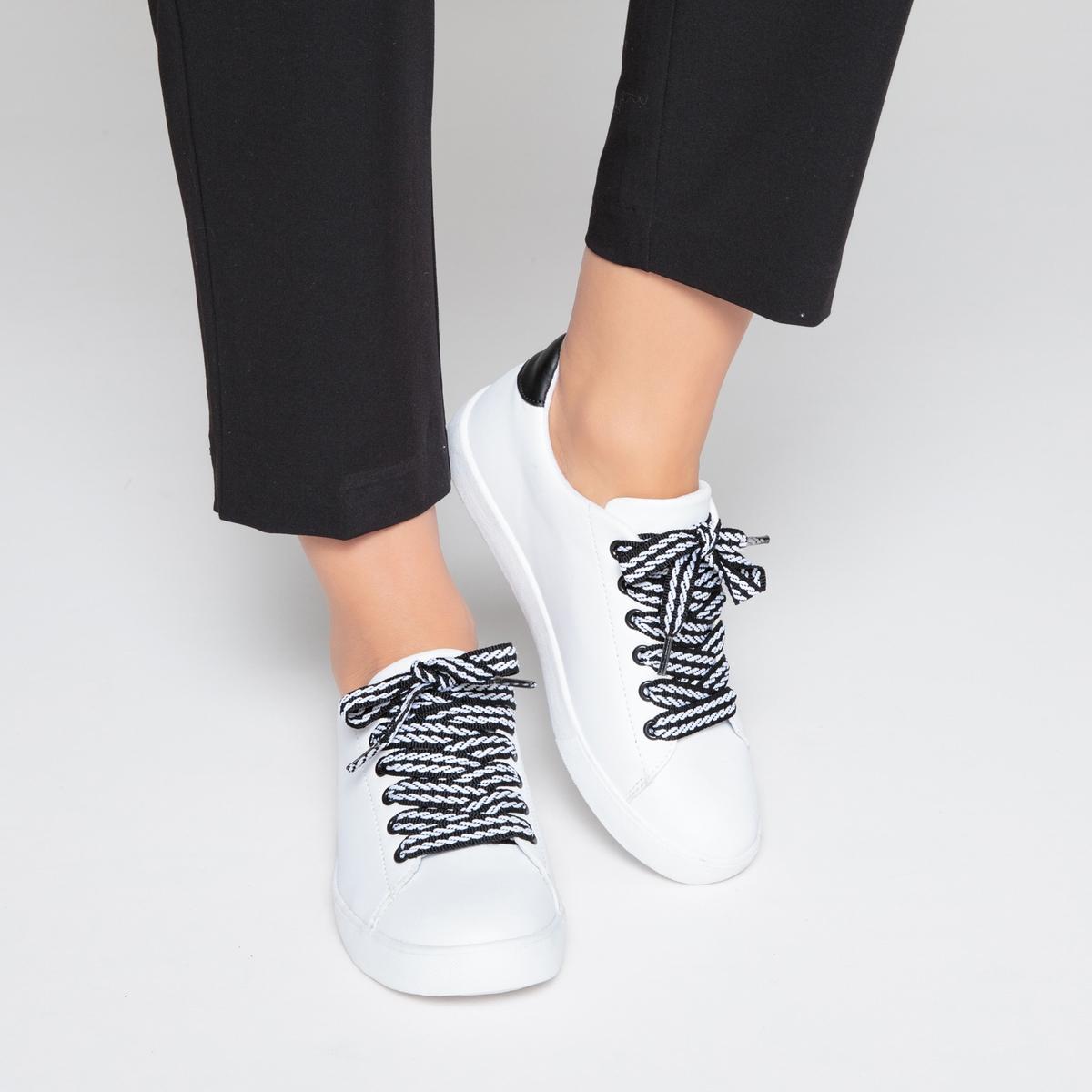 Zapatillas con cordones fantasía y bicolor