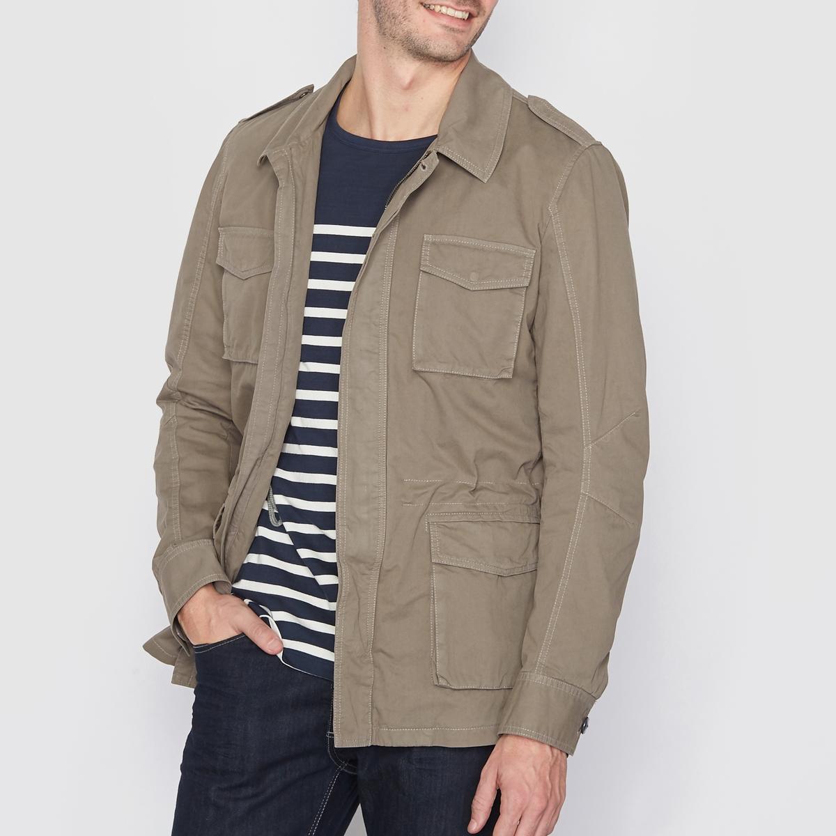 Куртка в стиле милитариКуртка в стиле милитари 100% хлопка, подкладка 100% полиэстера . Супатная застежка на пуговицы и молнию. 4 кармана с клапанами спереди. 2 внутренних кармана. Пояс на кулиске. Длина 75 см.<br><br>Цвет: хаки<br>Размер: S