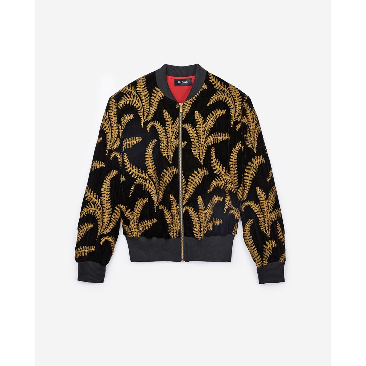 Бомбер прямого покрояОписание:Куртка в стиле бомбер THE KOOPLES. Велюр и контрастные вышивки.Детали •  Бомбер •  Прямой покрой •  Воротник-стойка •  Цветочный рисунокСостав и уход •  100% полиэстер •  Подкладка : 12% эластана, 88% полиамида •  Следуйте советам по уходу, указанным на этикетке<br><br>Цвет: черный