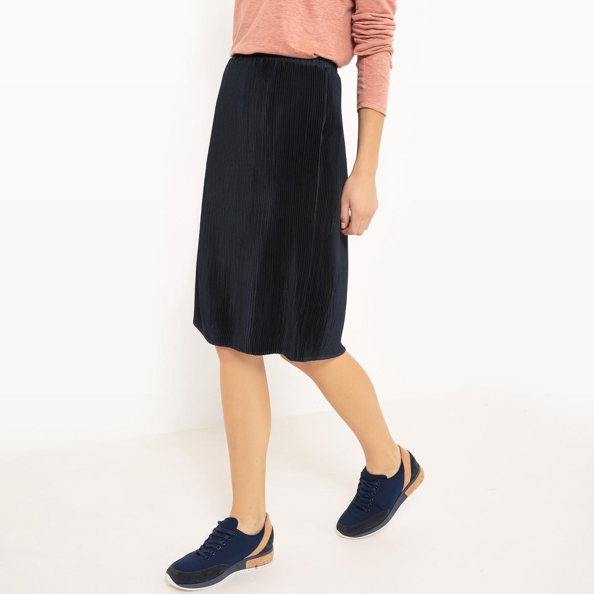 Юбка плиссированная длиной до коленМатериал : 100% полиэстер Особенность пояса : эластичный пояс Рисунок : однотонная модель Длина юбки : до колен<br><br>Цвет: темно-синий