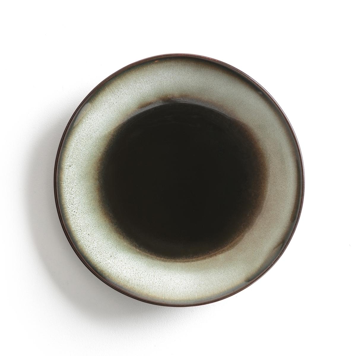 Комплект из 4 мелких тарелок из керамики Tadefi4 мелкие тарелки из глазурованной керамики с отражающим эффектом Tadefi. Органическая форма, вдохновленная природой, и красивое покрытие глазурью. Можно использовать в посудомоечных машинах и микроволновых печах. Размеры: ?25 см. Глубокие и десертные тарелки вы можете найти на нашем сайте.<br><br>Цвет: каштановый