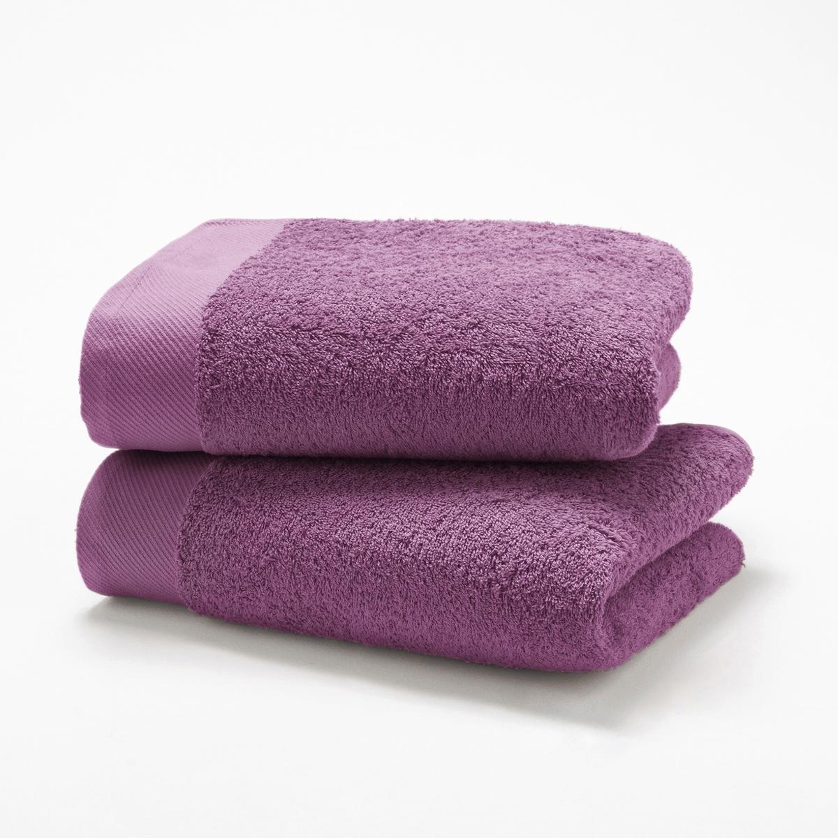 Комплект из 2 полотенец из махровой ткани 500 г/м?Комплект из 2 полотенец из высококачественной махровой ткани, 100% хлопок (500 г/м?), невероятно нежной, мягкой и отлично впитывающей влагу.Полотенца разных цветов для ванной...Характеристики 2 однотонных полотенец :- Махровая ткань, 100% хлопок (500 г/м?).- Отделка краев диагонали.- Машинная стирка при 60 °С.- Машинная сушка.- Замечательная износоустойчивость, сохраняет мягкость и яркость окраски после многочисленных стирок.- Размеры полотенца : 50 x 100 см.- В комплекте 2 полотенца. Знак Oeko-Tex® гарантирует, что товары протестированы и сертифицированы, не содержат вредных веществ, которые могли бы нанести вред здоровью.<br><br>Цвет: белый,голубой бирюзовый,гуава,желтый шафран,зеленый  атолл,красный карминный,серо-бежевый,серо-синий,серый,сине-зеленый,синий морской волны,темно-серый,фиолетовый,черный<br>Размер: 50 x 100 см
