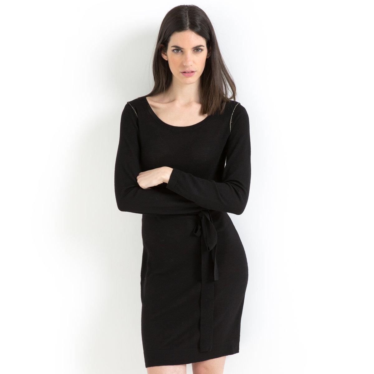 Платье-свитер прямого покроя, 100% мериносовой шерстиДанный товар отмечен знаком качества BEST.Качественные ткани, изысканные детали отделки и элегантный покрой, - так создается изделие высочайшего качества, которое будет радовать Вас при любых обстоятельствах.<br><br>Цвет: черный<br>Размер: 34/36 (FR) - 40/42 (RUS)