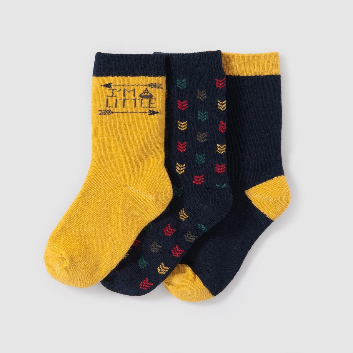 3 пары коротких носковОригинальные короткие носки в стиле фольк. Продаются комплектом, в комплекте 3 пары : 1 пара с принтом стрела, 1 пара однотонная и 1 пара с принтом вигвам. Состав и описание : Материал: 74% хлопка, 25% полиамида, 1% эластана.Марка       abcdRУход :Машинная стирка при 30 °C с вещами схожих цветов.Стирать, предварительно вывернув на изнанку.Машинная сушка запрещена.Не гладить.<br><br>Цвет: желтый карри + серый