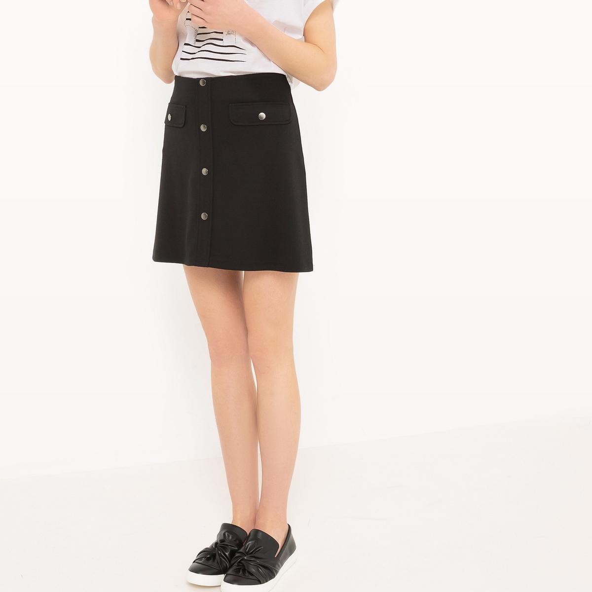 Юбка с застежкой на кнопкиМатериал : 30% вискозы, 5% эластана, 65% полиэстера   Рисунок : однотонная модель  Длина юбки : короткая<br><br>Цвет: черный<br>Размер: M