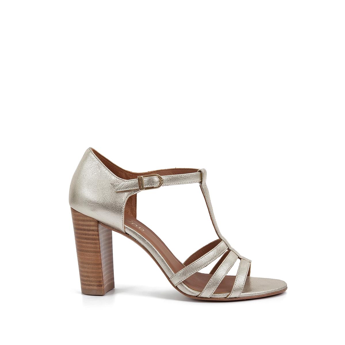 Босоножки кожаные ElsieВерх : кожа   Подкладка : кожа   Стелька : кожа   Подошва : кожа   Высота каблука : 8 см   Форма каблука : квадратный каблук   Мысок : закругленный мысок   Застежка : ремешок<br><br>Цвет: золотистый<br>Размер: 39.40