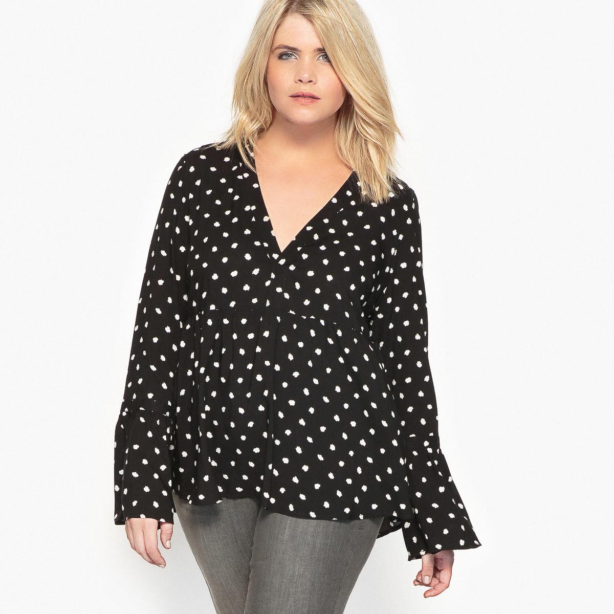 Блузка с рисунком и длинными расклешенными рукавами блузка с рисунком с длинными рукавами