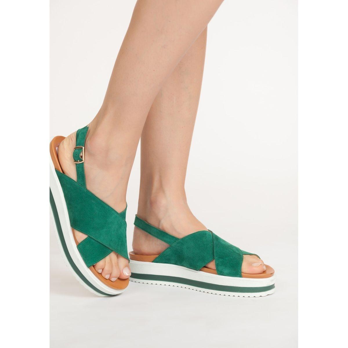 Sandales à brides croisées en daim