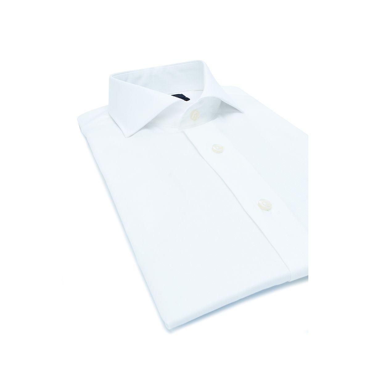 Chemise en coton 100 en tissu fil-à-fil facile à repasser.