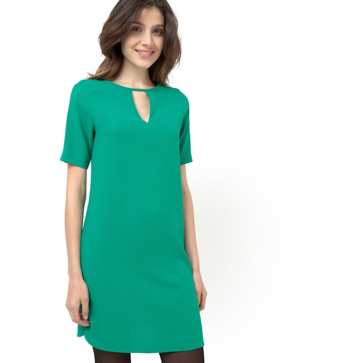 Платье прямоеПрямое платье. Круглый вырез с V-образным разрезом. Короткие рукава и прямой низ. Боковые разрезы внизу. 100% полиэстера. Длина. 89 см.    (Рекомендуется выбирать на один размер меньше Вашего обычного размера).<br><br>Цвет: зеленый<br>Размер: 48 (FR) - 54 (RUS).42 (FR) - 48 (RUS).44 (FR) - 50 (RUS).46 (FR) - 52 (RUS)