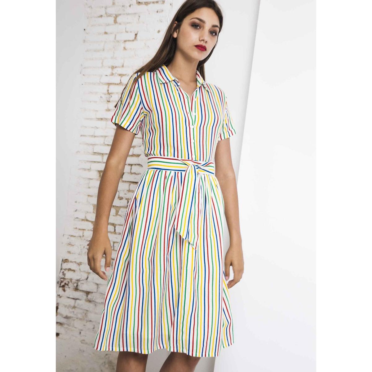 Платье-рубашка в полоску средней длины с короткими рукавами