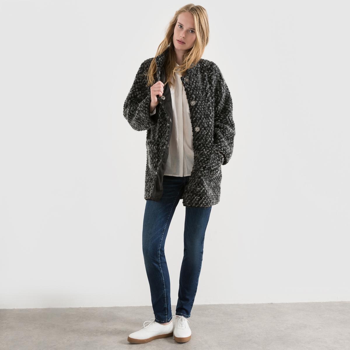 Пальто Gemmalia Wool MixСостав и описание :Марка : FREEMAN T. PORTER.Модель : Gemmalia Wool Mix.Материал     : 65% шерсть, 30% полиэстер, 5% мохер - Подкладка 100% полиэстерУход :Только сухая чистка.<br><br>Цвет: черный<br>Размер: S