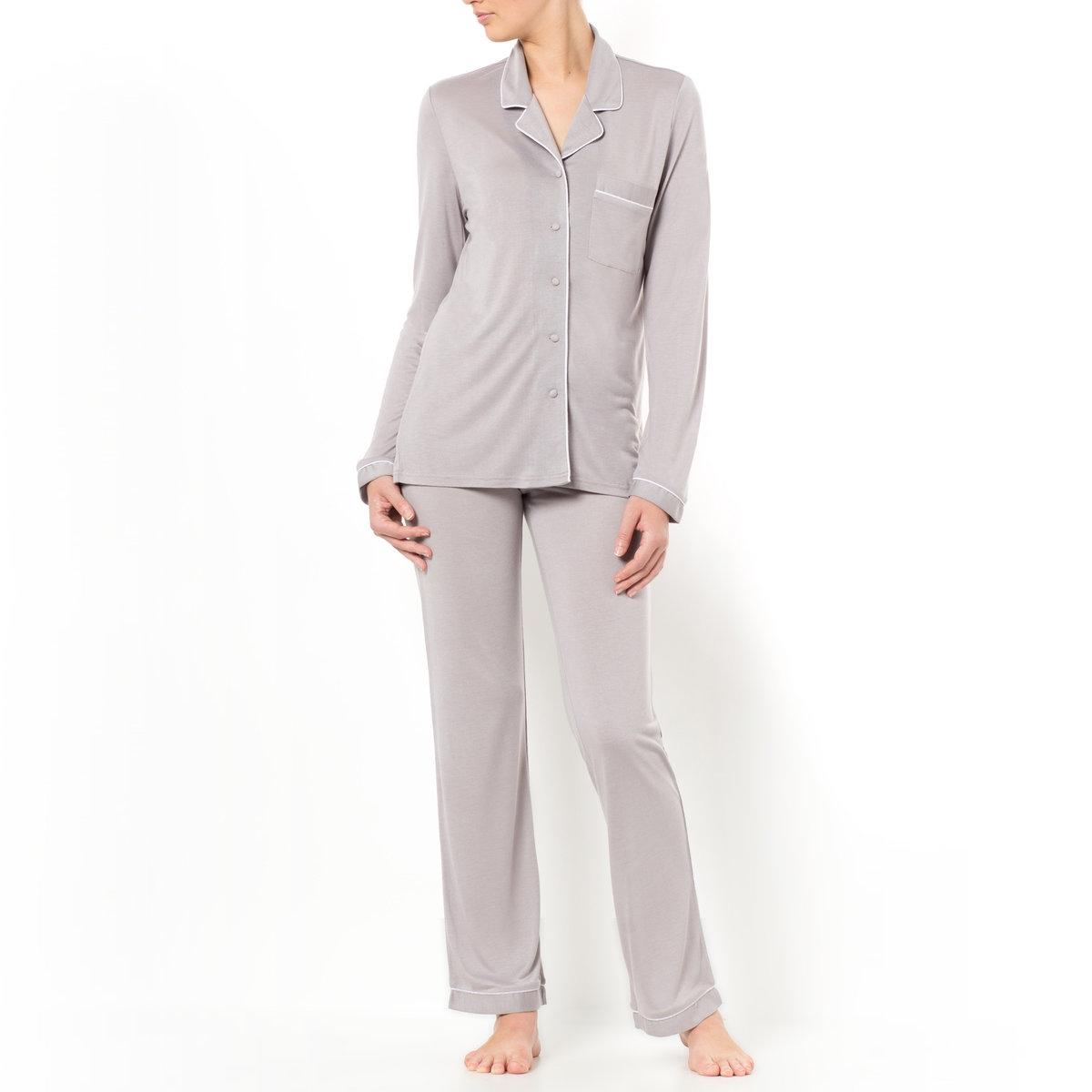 Пижама из модалаЖакет с кроенным воротником: длинные рукава, плоский нагрудный карман. Длина ок. 67 см.Брюки: эластичный пояс. Длина по внутр. шву ок. 76 см.      Пижама из 100% модала, машинная стирка при 30°.<br><br>Цвет: серый