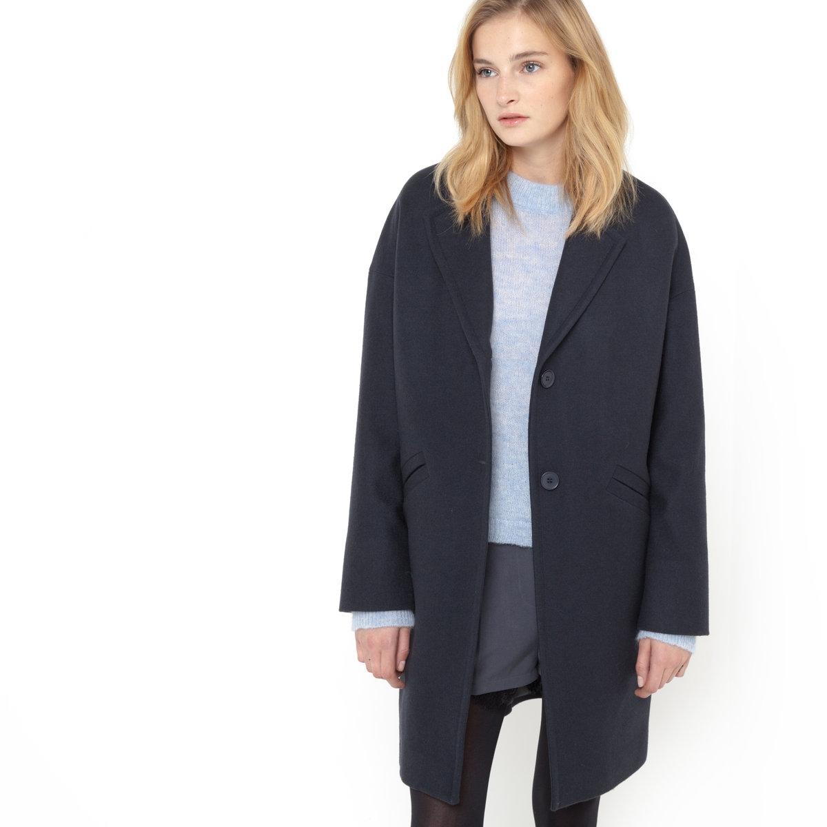 Пальто закругленной формыШирокое пальто закругленной формы. Застежка на 2 пуговицы. 2 кармана. 80% шерсти, 20% полиэстера, подкладка из 100% полиэстера. Длина 92 см.<br><br>Цвет: темно-синий<br>Размер: 40 (FR) - 46 (RUS).36 (FR) - 42 (RUS)