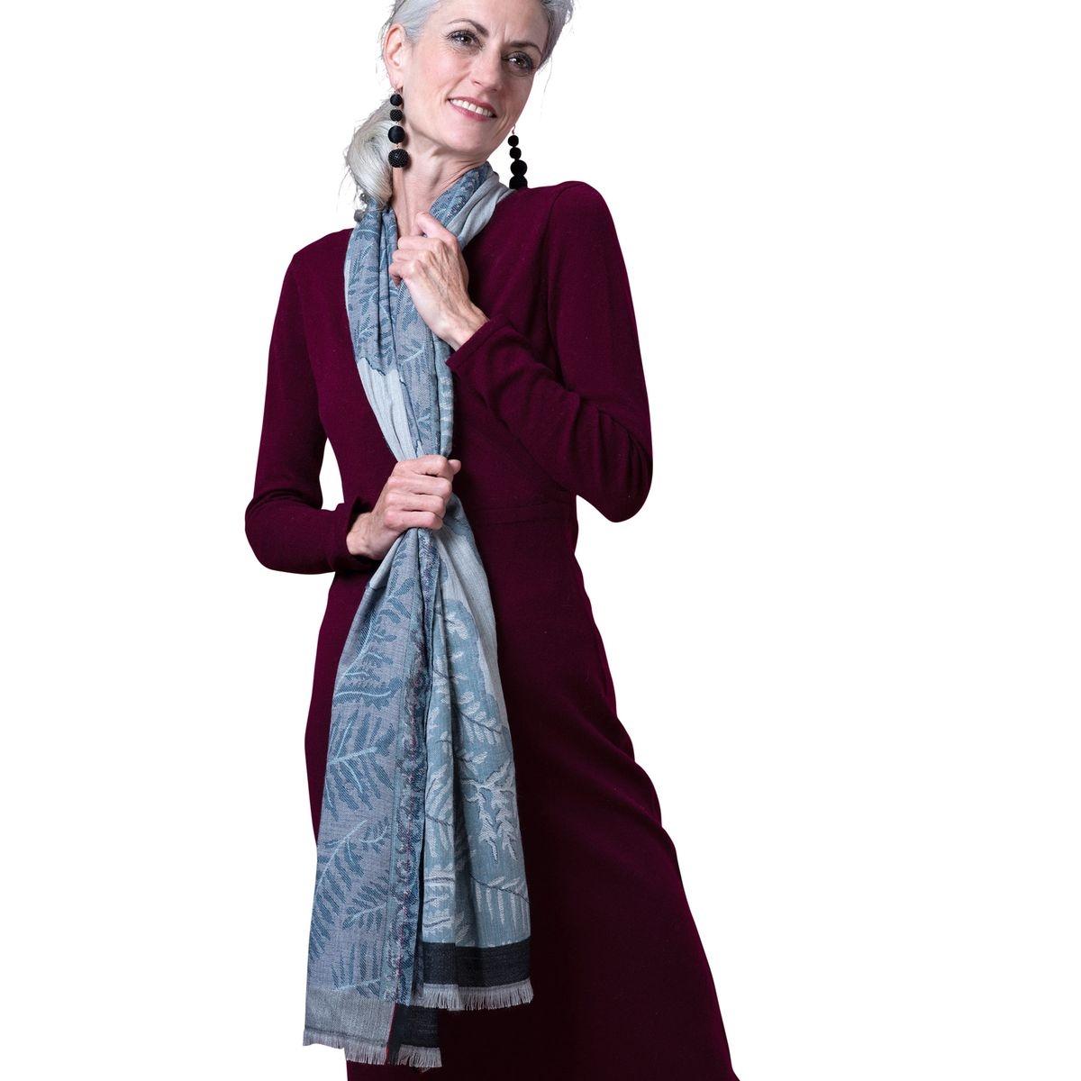 Foulard en jacquard à imprimé feuilles pure laine