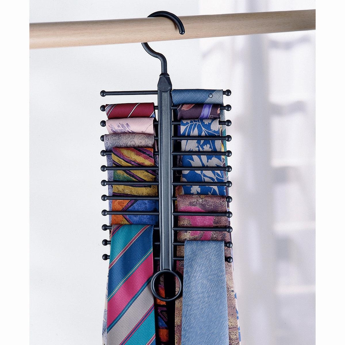 4 вешалки  Ar?glo, для экономии места, для галстуков/брюк/рубашек/ремнейХарактеристики вешалок для экономии места, Ar?glo:Из пластика ABSВешалка для рубашек: для 5 плечиков с рубашками.Вешалка для брюк: для 5 брюкВешалка для галстуков: для 24 галстуковВешалка для ремней: 2 кольца для размещения большого количества ремней!Можно вешать на перекладину в шкафу .Можно брать с собой в поездки и путешествия.Найдите коллекцию для хранения вещей на нашем сайте laredoute.ru.Вес вешалок, Ar?glo:Вес 0,700 кг.<br><br>Цвет: черный<br>Размер: единый размер