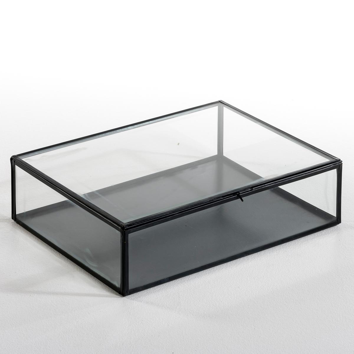 Коробка-витрина для хранения MisiaОписание:- Выполнена из стекла и металлаРазмеры: - Д. 30 x В. 10,5 x Г. 40 см.    - Размеры внутри: Д. 29 x В. 10 x Г. 39 см.<br><br>Цвет: латунь,металл,черный