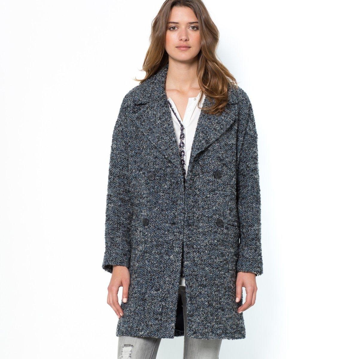 Пальто, 40% шерстиОбъемный покрой. Плотная меланжевая ткань, 55% полиэстера, 40% шерсти, 5% акрила. Английский воротник. Приспущенные плечевые швы. Двубортная застежка. 2 кармана в швах. Хлястик сзади. Подкладка из полиэстера. Длина ок.90 см.<br><br>Цвет: синий меланж<br>Размер: 50 (FR) - 56 (RUS)