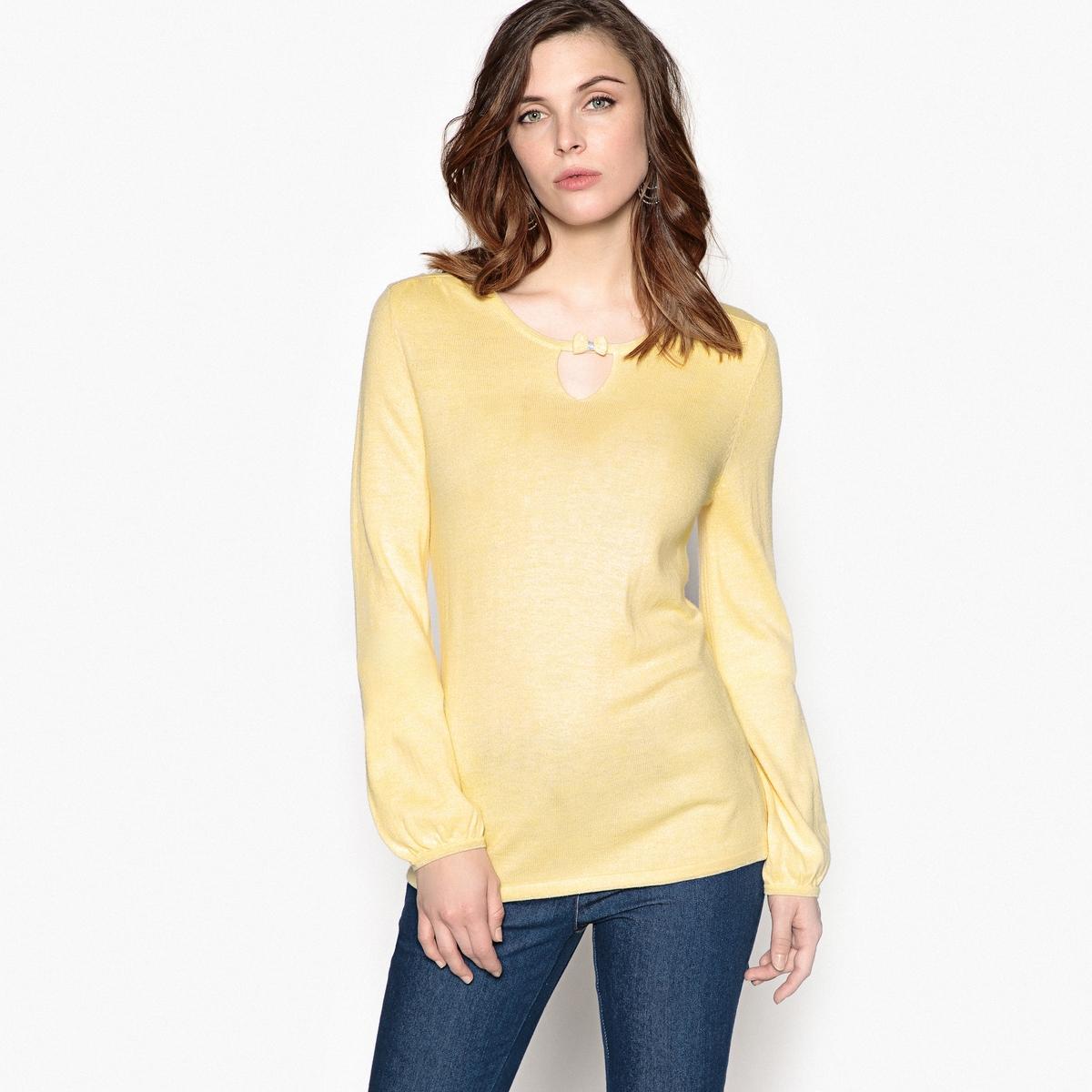 Пуловер с круглым вырезом из тонкого трикотажа, 10% шерстиОписание:Пуловер с круглым вырезом из тонкого трикотажа. Очень женственный пуловер благодаря оригинальной застежке-капельке с небольшим бантом. Длинные рукава, манжеты на резинке.Детали •  Длинные рукава •  Круглый вырез •  Тонкий трикотажСостав и уход •  10% шерсти, 66% акрила, 24% полиамида •  Температура стирки 30° на деликатном режиме   •  Гладить при низкой температуре / не отбеливать •  Не использовать барабанную сушку •  Сухая чистка запрещена  •  Отделка металлизированной нитью серебристого цвета выреза, низа и манжет. Вставки с небольшими складками на плечах. Приспущенные плечевые швы. •  Длина  : 63,5 см<br><br>Цвет: желтый,темно-синий