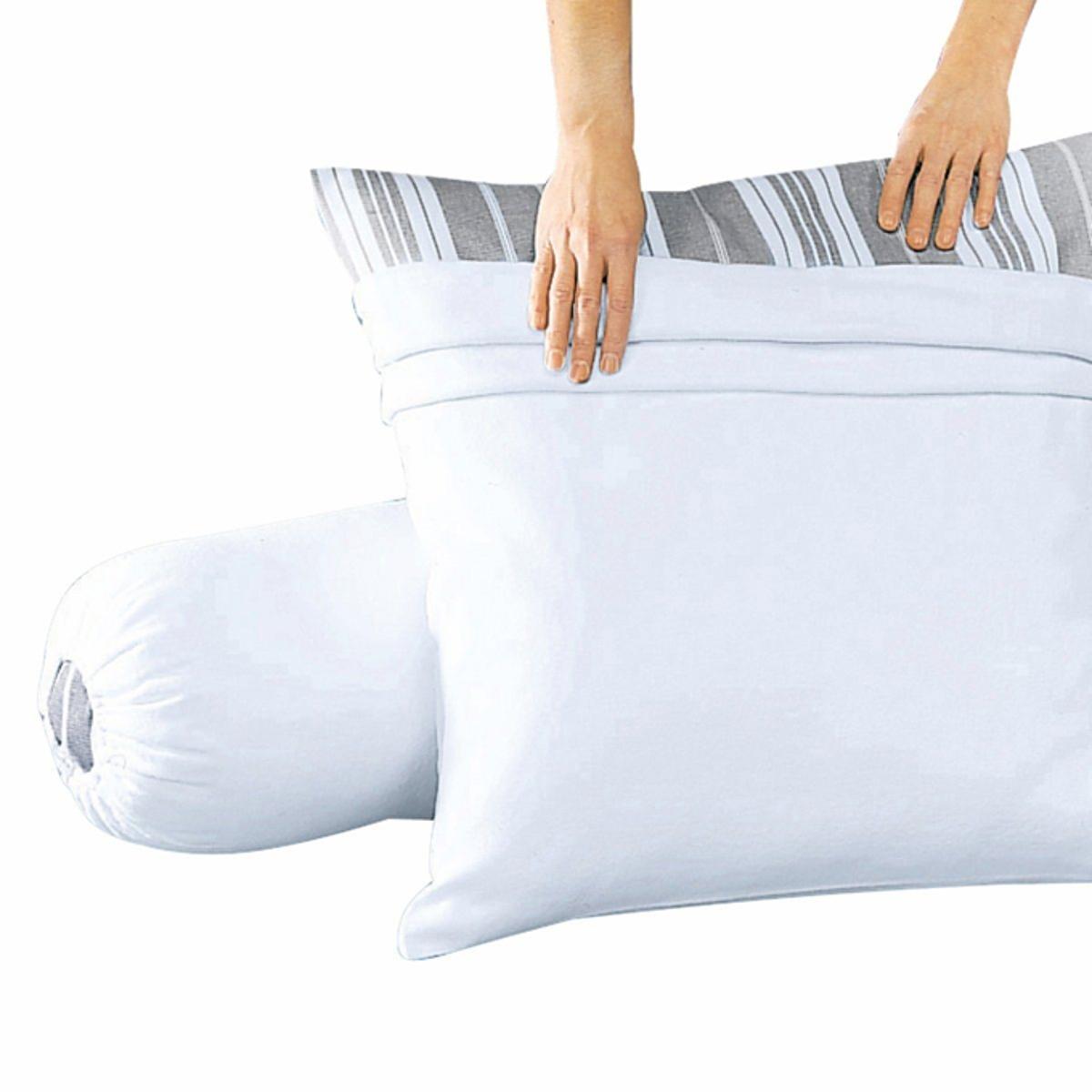 Чехол защитный на подушку из хлопкового мольтонаЗащитный чехол на подушку из мольтона, 100% хлопок, очень комфортного (начес на лицевой и оборотной стороне) и прочного (200 г/м?).Машинная стирка при 95 °С для идеальной гигиены, обработка от усадки ткани SANFOR.Качество VALEUR S?RE.<br><br>Цвет: белый<br>Размер: 63 x 63  см