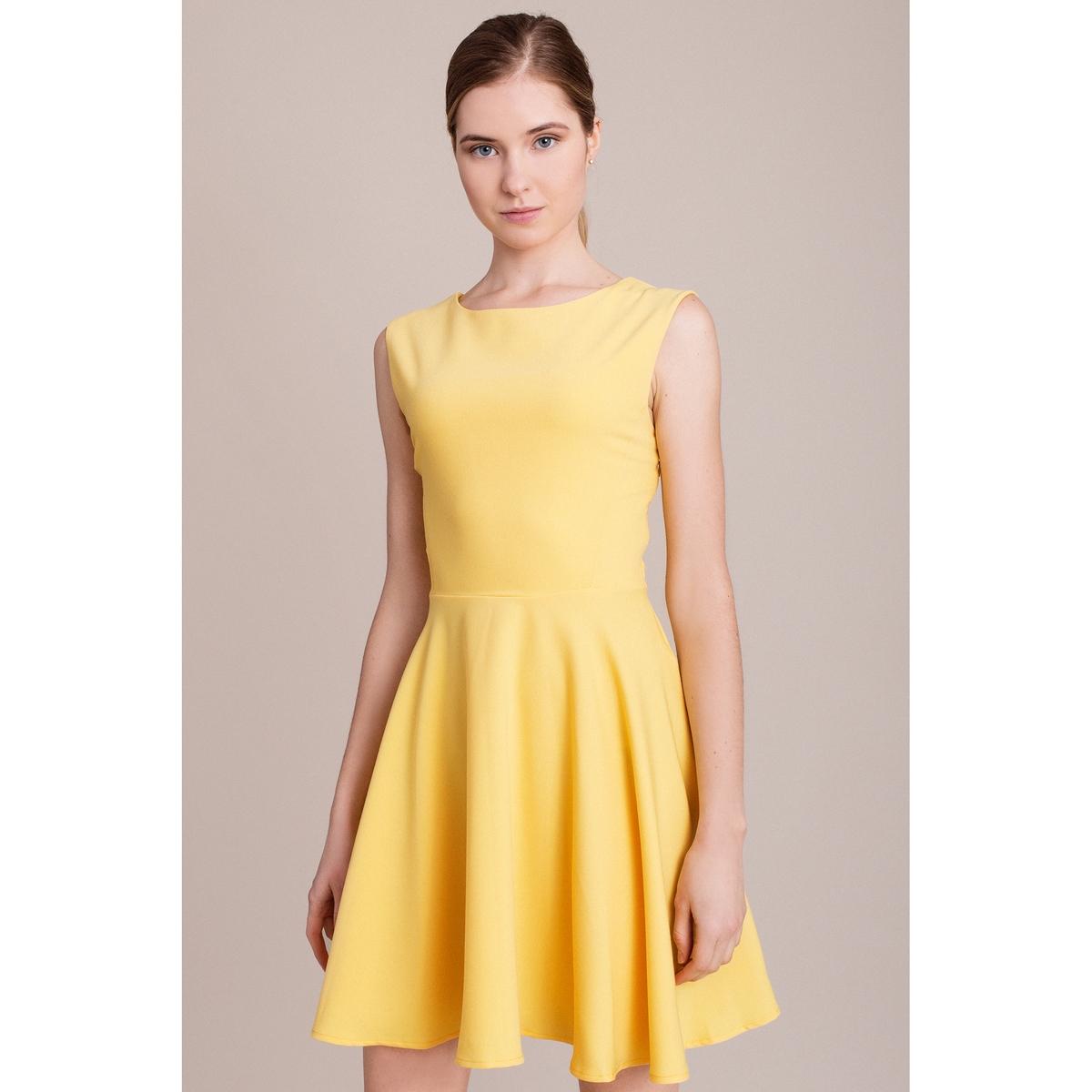 Платье без рукавовПлатье без рукавов MIGLE+ME. Глубокий V-образный вырез сзади. Характеристики и описание    Материал         100% полиэстера    Марка    MIGLE+ME<br><br>Цвет: желтый