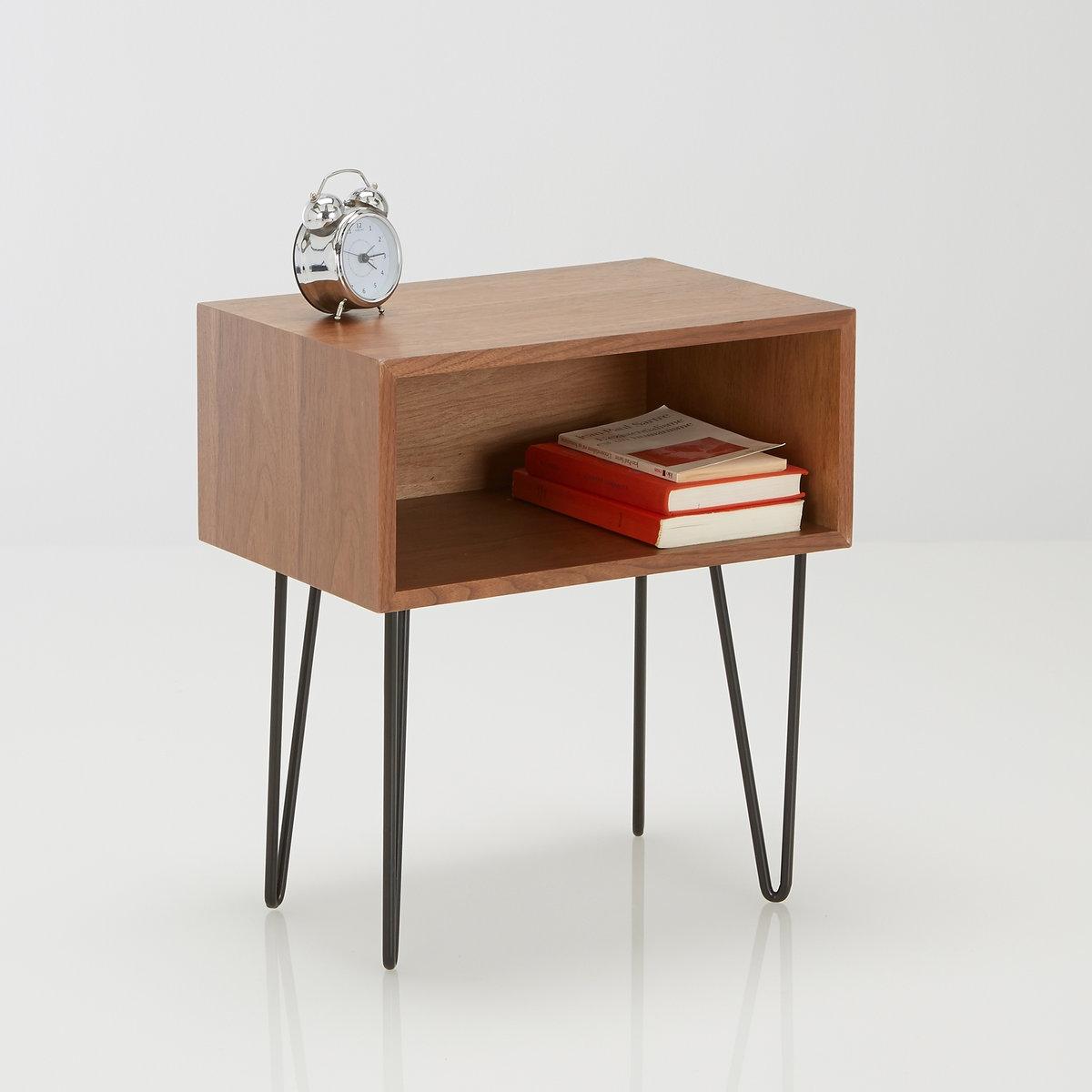 Прикроватный столик в стиле винтаж  WatfordПрикроватный столик  Watford. Добавьте немного очаровательного винтажного стиля в интерьер спальной комнаты или гостиной,прикроватный столикWatford также добавит офисного стиля благодаря использованию в качестве дополнительного столика. Характеристики   :Верх под столешницу в офисном стиле.Ниша для хранения вещей отделана ореховым шпоном.Металлические ножки с эпоксидным покрытием черного цвета  .Поставляется в разобранном виде .Откройте для себя всюколлекцию Watford на сайте laredoute.ru..Размеры столика  Watford    :Ширина : 45 см Высота : 50,5 см Глубина : 30 смРазмеры ящика    :1 упаковка50 x 26 x 36 см Вес  7 кг<br><br>Цвет: черный