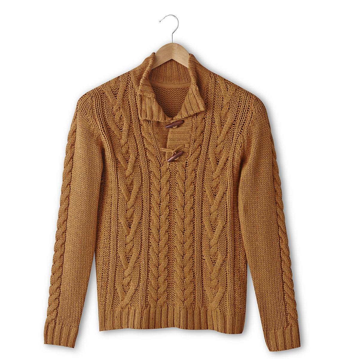 Пуловер с узором косы и высоким воротникомПуловер с узором косы, 85% акрила, 15% шерсти. Высокий воротник. Застежка на фигурные пуговицы. Длина 67 см.<br><br>Цвет: темно-бежевый<br>Размер: M