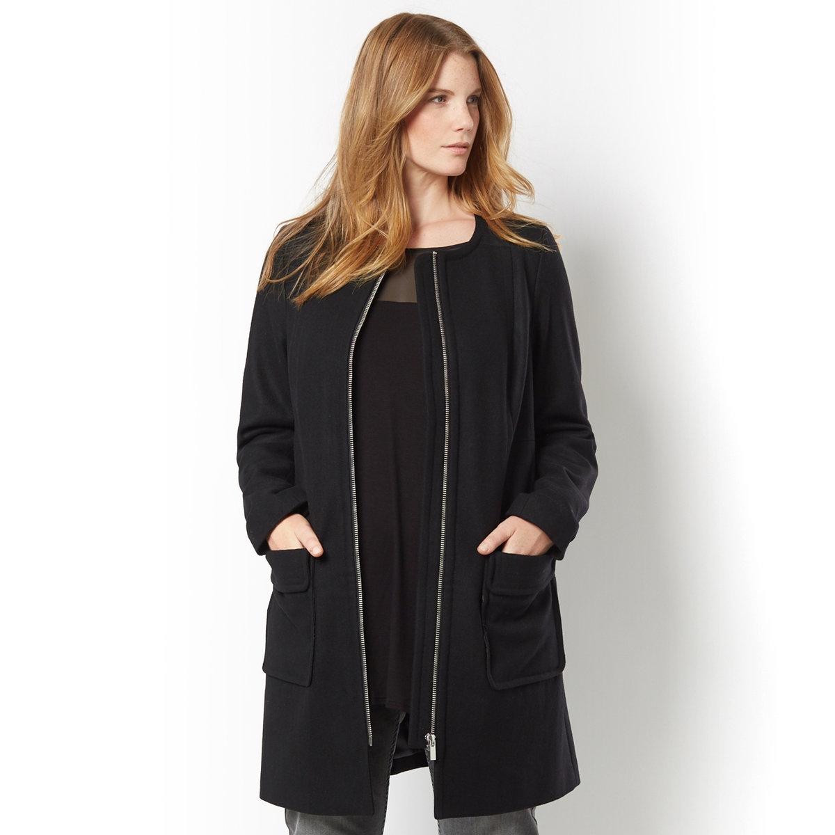 Пальто, 55% шерстиПальто. Без воротника, женственная модель. Слегла широкий покрой, нашивки спереди, на плечах, на карманах и на рукавах. Застежка на молнию. 2 накладных кармана с клапанами.55% шерсти, 35% полиэстера, 10% других волокон, подкладка из 100% полиэстера. Длина 85 см.<br><br>Цвет: черный