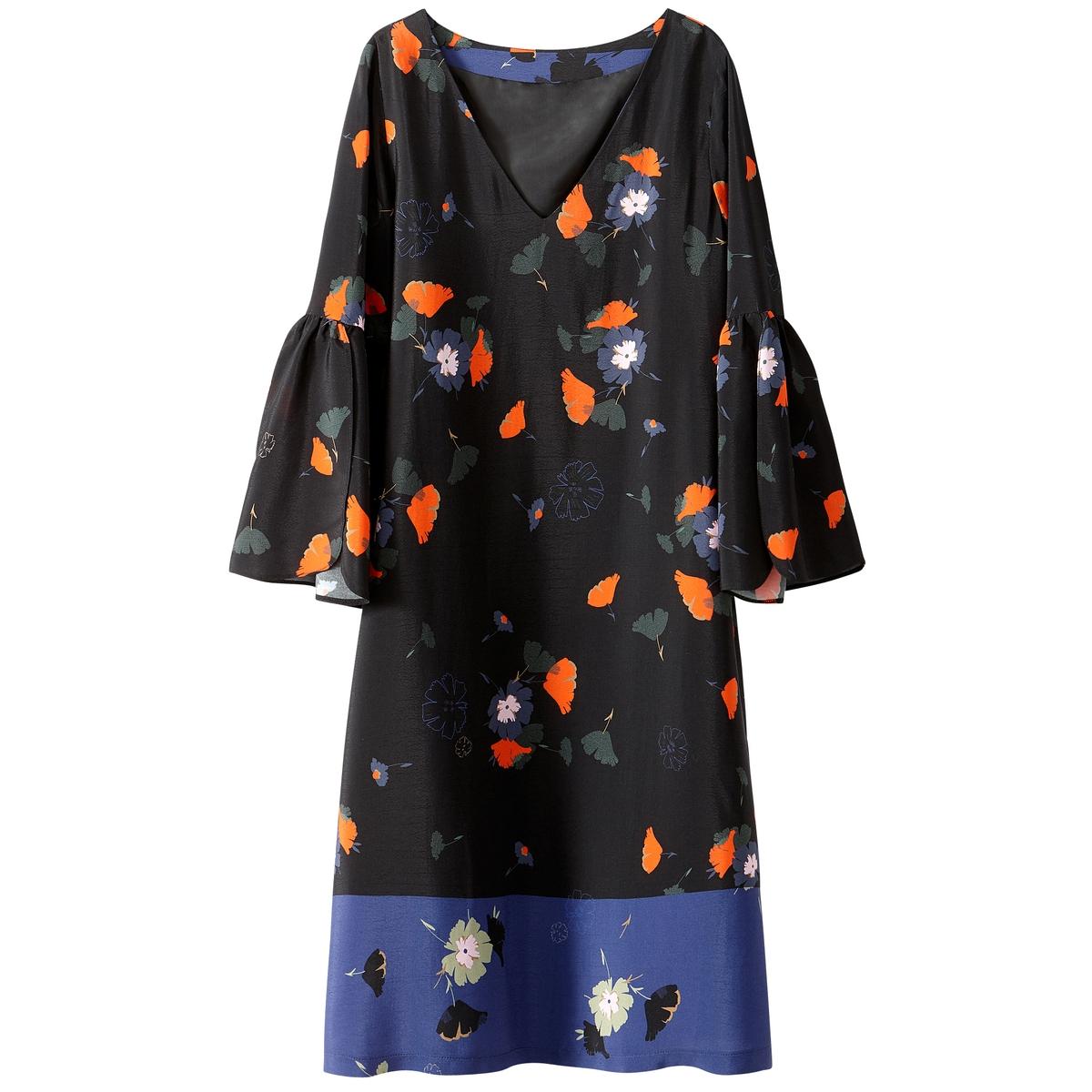 Платье прямое с цветочным рисунком и воланами на рукавах