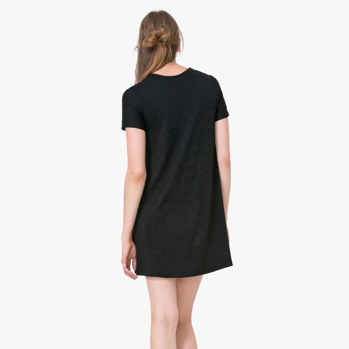 Платье с короткими рукавами и рисункомДетали  •  Форма : расклешенная  •  Короткое •  Короткие рукава    •  Круглый вырез •  Цветочный принтСостав и уход •  97% вискозы, 3% эластана •  Следуйте советам по уходу, указанным на этикетке<br><br>Цвет: черный<br>Размер: S