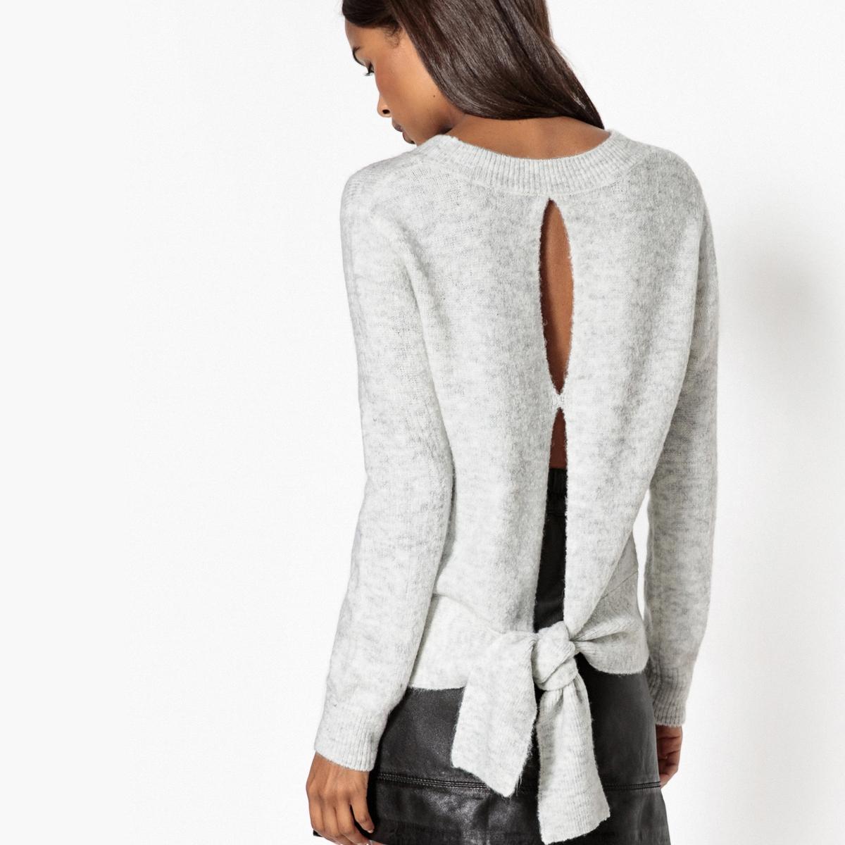 Пуловер с вырезом и бантик сзади