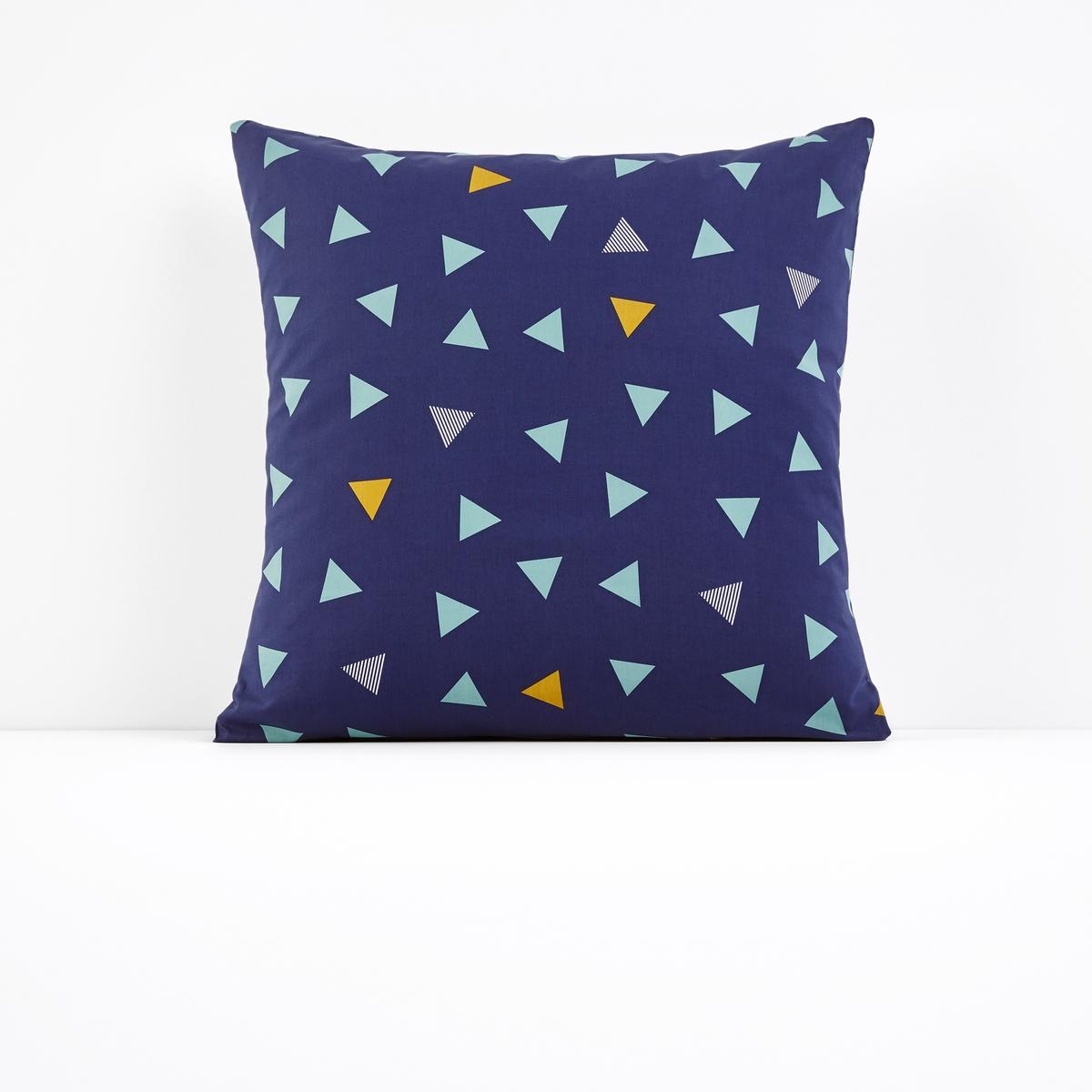 Наволочка с рисунком LUCIENНаволочка с рисунком Lucien. Графичное постельное белье с рисунком в мелкие цветные треугольники идеально подойдет к интерьеру в скандинавском стиле .Характеристики наволочки с рисунком  Lucien:100% хлопок, 57 нитей/cм?   : чем больше количество нитей на см?, тем выше качество материала.- Рисунок треугольники с обеих сторон.Легкость ухода.Машинная стирка при 60 °C.Форма мешкаНайти комплект постельного белья Lucien можно на laredoute.ru.Хлопковую натяжную простыню соответствующего однотонного цвета из коллекции Sc?nario Вы найдете на laredoute .ruЗнак Oeko-Tex® гарантирует, что товары прошли проверку и были изготовлены без применения вредных для здоровья человека веществ.Размеры :63 x 63 см : квадратная наволочка<br><br>Цвет: наб. рисунок синий