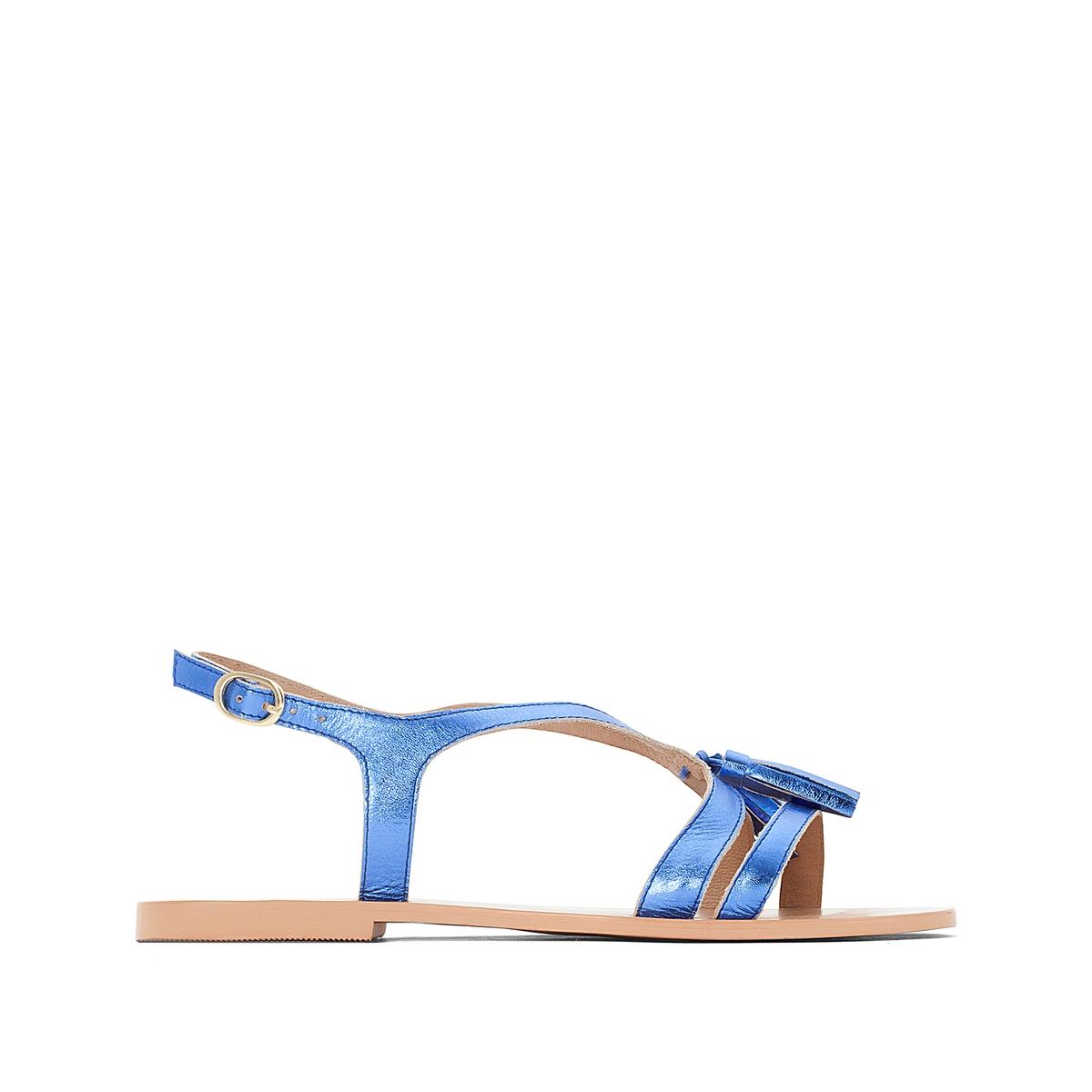 Босоножки кожаные с кисточками на плоском каблукеВерх : кожа         Подкладка : кожа         Стелька : кожа         Подошва : Эластомер         Высота каблука : плоский         Форма каблука : плоский         Мысок : открытый         Застежка : ремешок с пряжкой<br><br>Цвет: красный,синий<br>Размер: 42.42.37.41