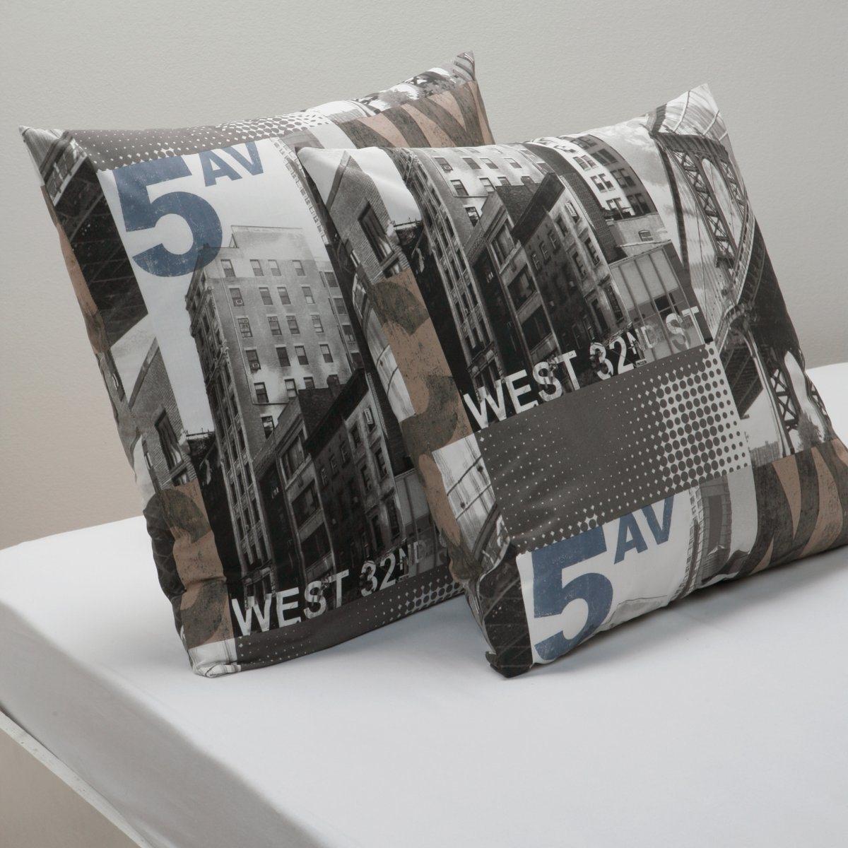 Наволочка Пятая авенюКачество VALEUR S?RE за ткань плотным переплетением нитей (57 нитей/см?). Прогулка по центру Манхэттена! 100% хлопка. Стирка при 60°. Размер: 63 х 63 см.<br><br>Цвет: серый<br>Размер: 63 x 63  см