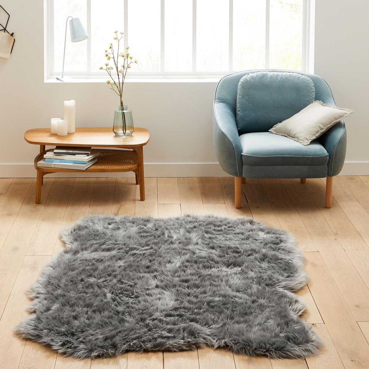 Ковер La Redoute С эффектом овечьей кожи Livio x см 135 x 190 см серый кровать la redoute douv 140 x 190 см серый