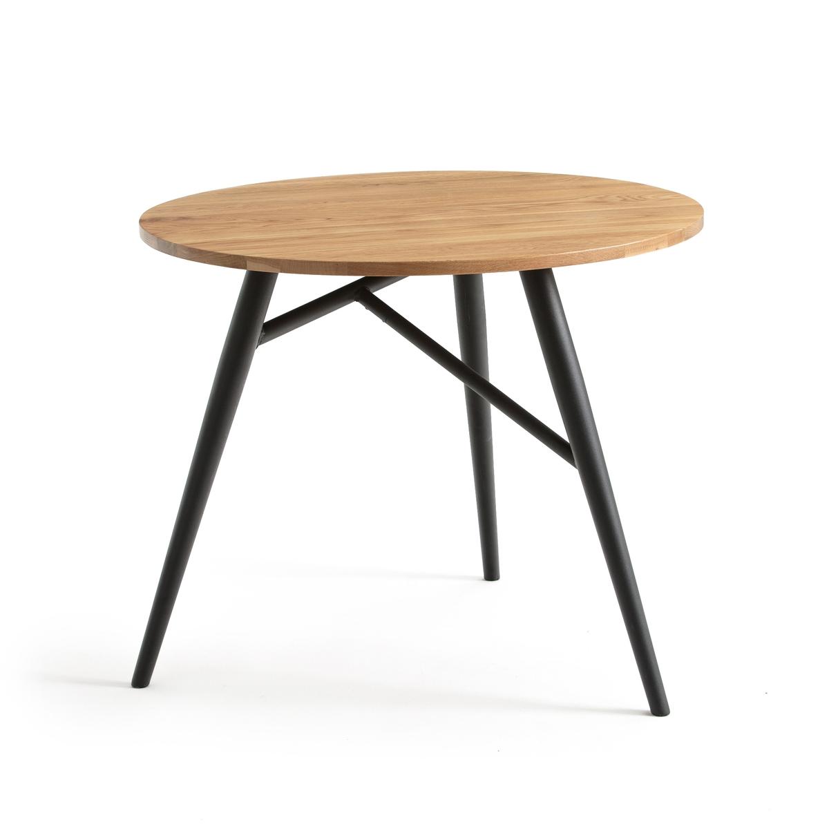 Стол с круглой столешницей на 3 персоны CRUESOУютный обеденный стол Crueso с круглой столешницей из массива дуба и великолепной ножкой из металла, окрашенного черной краской, на 2-3 персоны.           Характеристики обеденного стола на 3 персоны Crueso :Круглая столешница из массива дуба, покрытие полиуретановым лаком, толщина 25 мм. Веретенообразная ножка из стали, окрашенной матовой краской черного цвета, покрытие эпоксидным лаком.Пластиковые накладки на ножки. Откройте для себя всю коллекцию Crueso на сайте laredoute.ruРазмеры обеденного стола на 3 персоны Crueso :Диаметр 90 смВысота 75 смРазмеры и вес упаковки :     1 упаковка     101 x 23,5 x 104 см     23 кг  :.  ! ! .      .: : :<br><br>Цвет: дуб