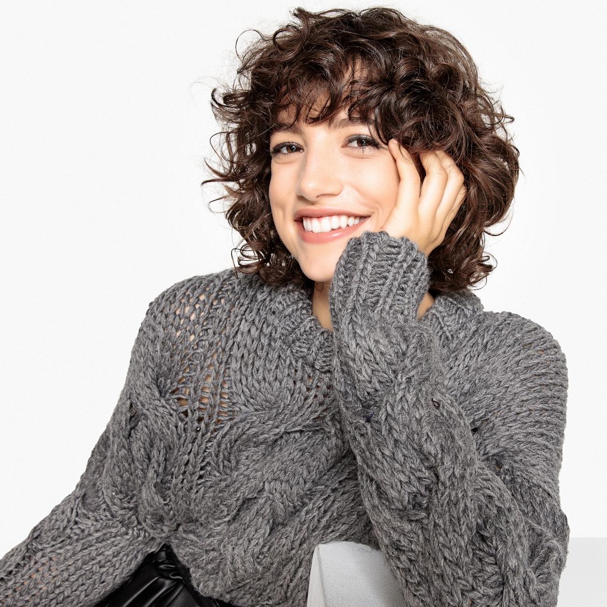 Jersey con trenzados de punto grueso, de lana