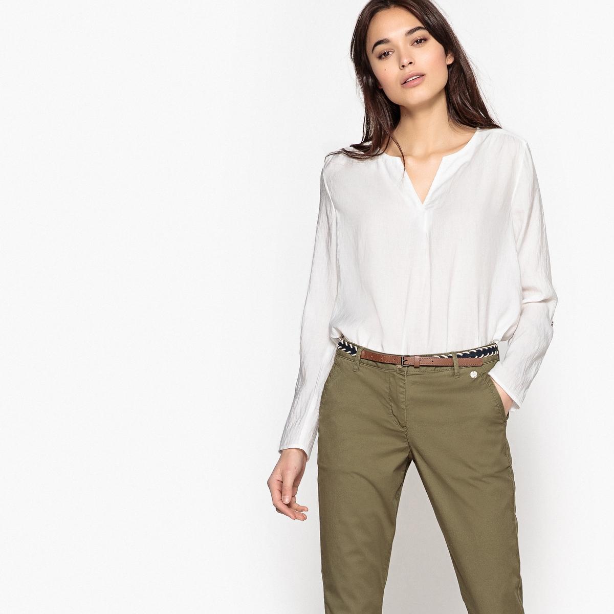 Блузка с разрезом на круглом вырезе и длинными рукавами