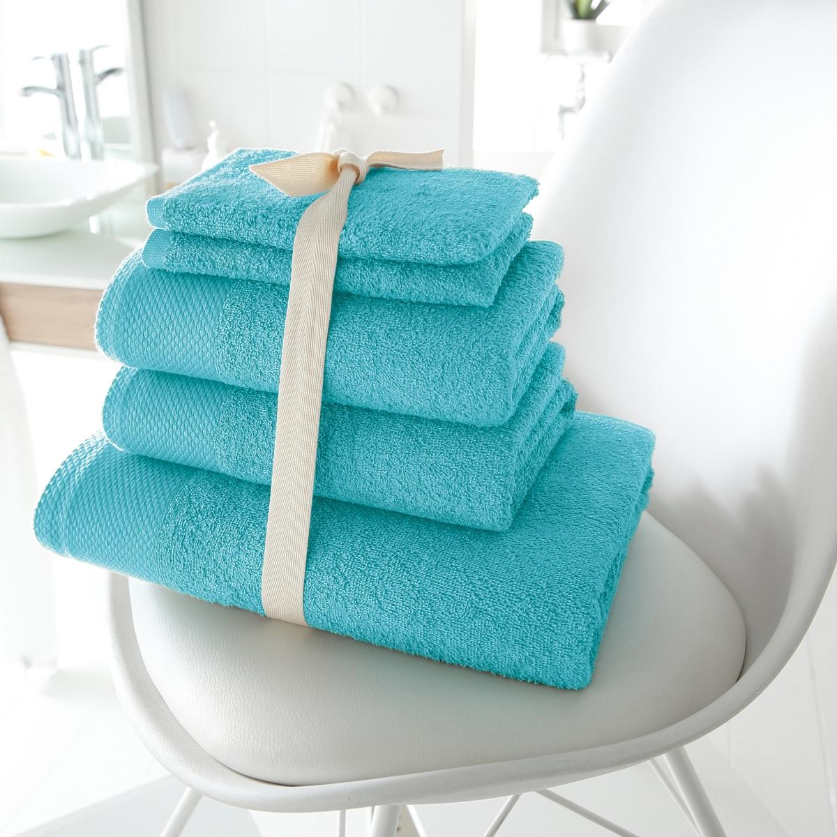 Комплект для ванной, 420 г/м?Махровая ткань, 100% хлопка, 420 г/м?. Стирка при 60°. 1 банное полотенце 70 х 140 см + 2 полотенца 50 х 100 см + 2 банные рукавички 15 х 21 см.<br><br>Цвет: голубой бирюзовый<br>Размер: единый размер