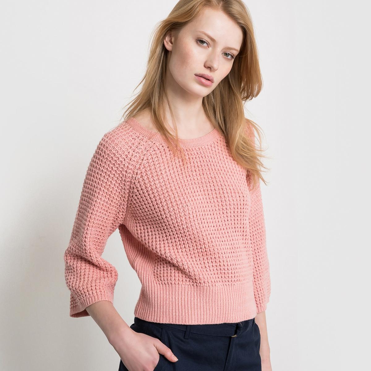 Пуловер короткий с вырезом сзадиКороткий пуловер из плотного трикотажа с вафельным переплетением. Глубокий V-образный вырез на спине, круглый вырез спереди. Широкие рукава 3/4. Края низа, выреза и рукавов связаны в широкий рубчик.Состав и описаниеМатериал : 40% акрила, 60% хлопкаДлина : 51 смУход Машинная стирка при 30 °С<br><br>Цвет: увядшая роза меланж<br>Размер: 46/48 (FR) - 52/54 (RUS)