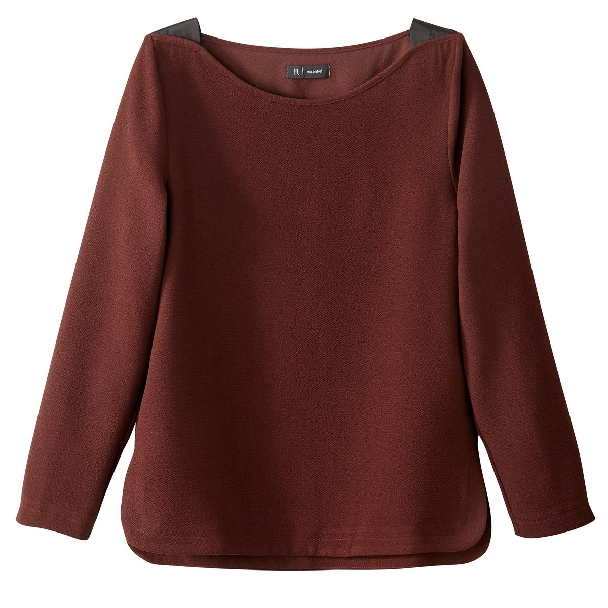 Блузка с разрезами по бокам и вставками на плечах