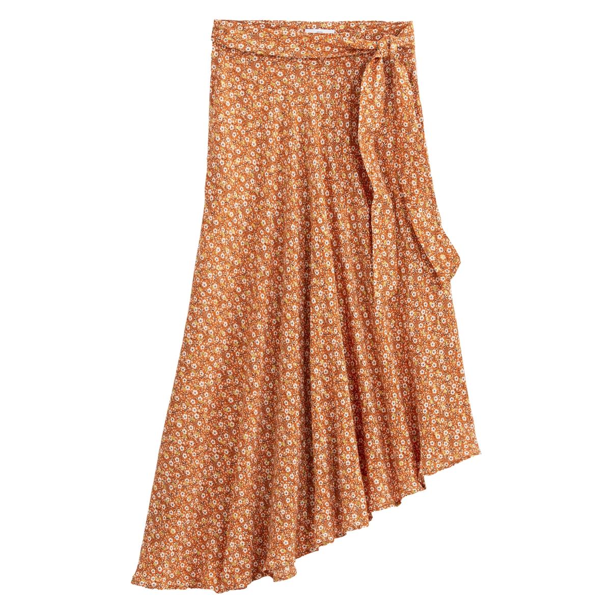 Falda larga en asimetría, con estampado de flores