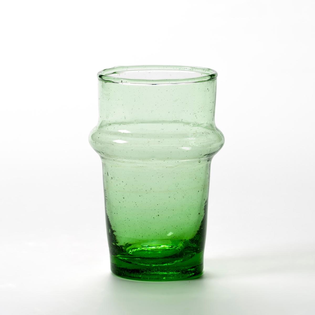 6 стаканов для чая из дутого стекла, Artacama6 стаканов для чая Artacama. Ручная работа, произведено в Марокко из переработанного стекла, придающего приятный зеленый цвет.  Каждый стакан уникален. Из дутого стекла. Размеры  : ?  верха 5,5, ? низа 4 x В.9,5 см. Емкость 9 cl. Можно мыть в посудомоечной машине. Стаканы для воды из этой же коллекции продаются на нашем сайте.<br><br>Цвет: зеленый
