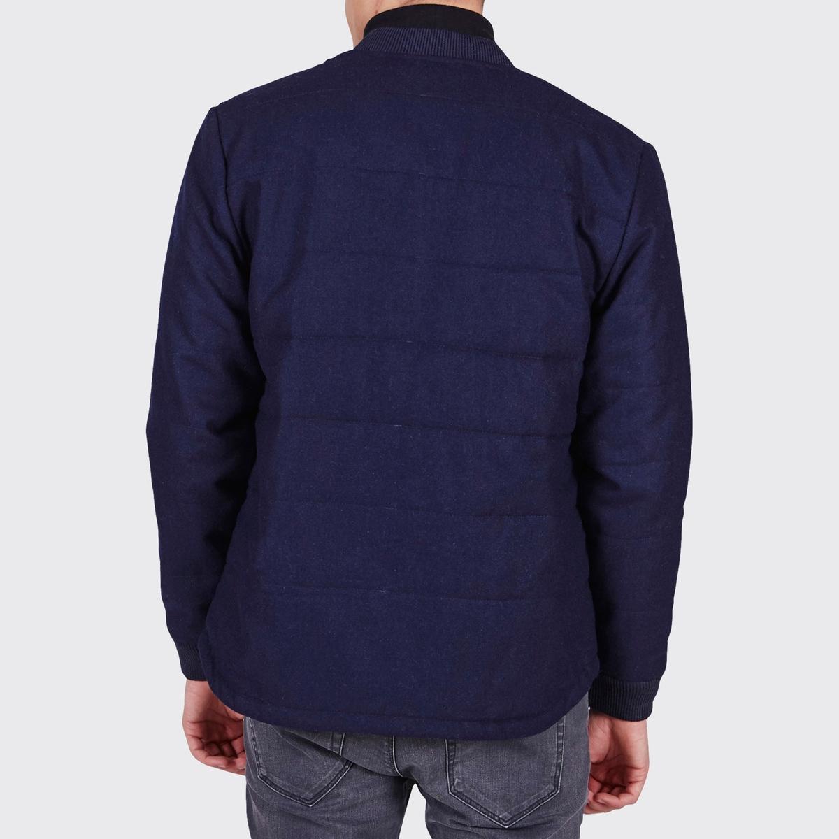 Блузон на молнии Teddy ThemisБлузон с длинными рукавами THEMIS - MINIMUM. Прямой покрой, застежка на молнию спереди. На манжетах вязка в рубчик. Прямой простеганый низ. Карманы по бокам.Состав и описание :Материал : 100% полиэстераМарка : MINIMUM<br><br>Цвет: темно-синий<br>Размер: M