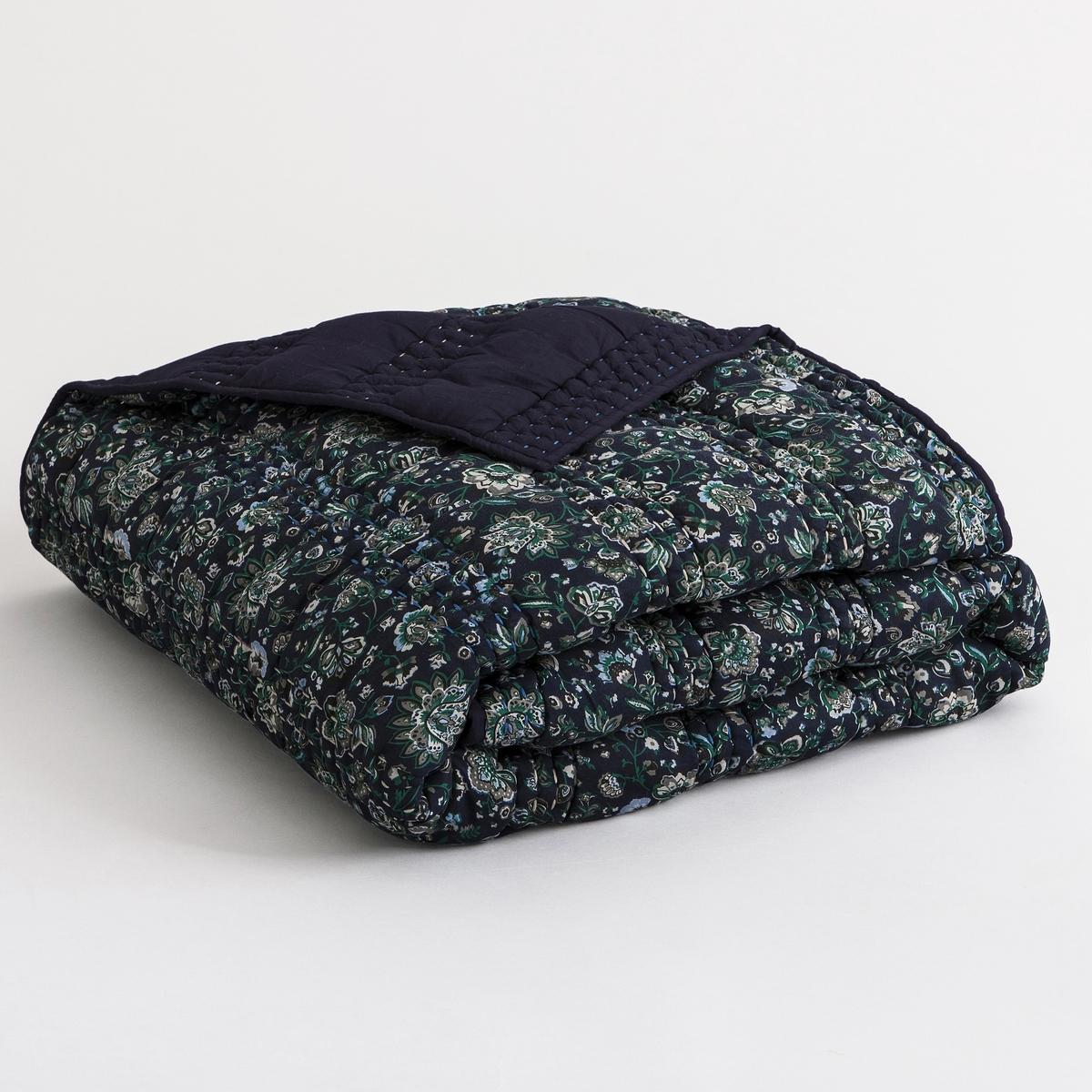 Покрывало стеганое из хлопковой вуали CornalineМатериал : - Хлопковая вуаль, исключительный, невероятно мягкий, нежный и воздушный материал. - Наполнитель 100% полиэстер.Уход : - Стирка при 30°<br><br>Цвет: темно-синий<br>Размер: 230 x 250  см