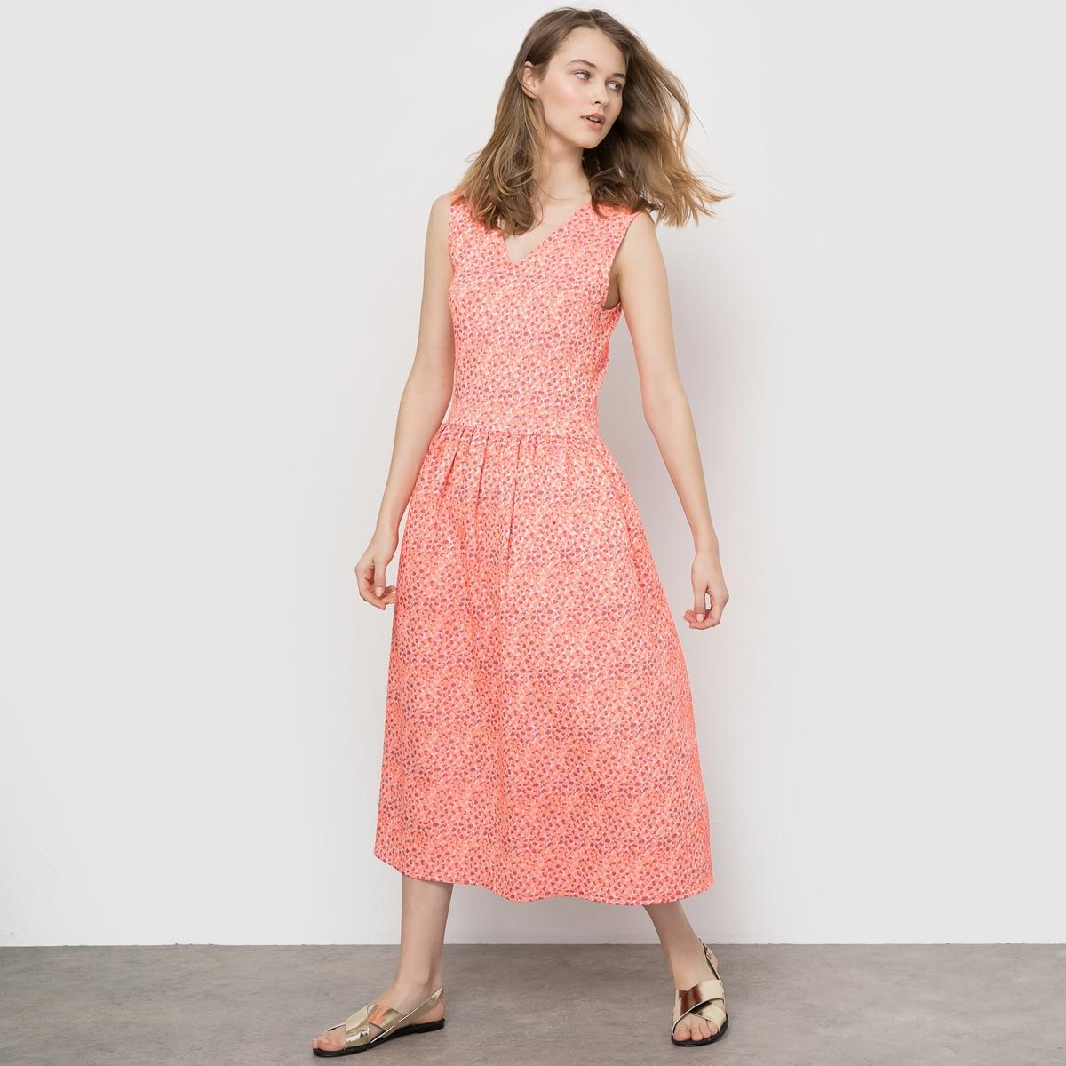 Платье жаккардовоеСостав и описаниеМатериал : 87% полиэстера, 12% хлопка, 1% эластана.Длина :ок. 115 см.Марка : MADEMOISELLE R<br><br>Цвет: жакард<br>Размер: 40 (FR) - 46 (RUS).36 (FR) - 42 (RUS)