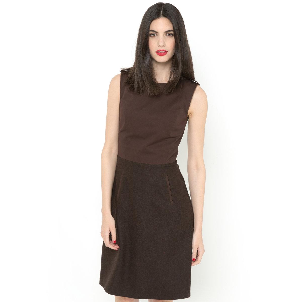 Платье без рукавов из двух материаловВерх 100% хлопка на сатиновой подкладке 100% полиэстера. Круглый вырез . Планки с металлической пуговицей золотистого цвета на плечах . Отрезные детали спереди и сзади .   Застежка на скрытую молнию на спинке . Отрезное по талии . Низ 35% акрила, 31% шерсти, 27% полиэстера, 4% вискозы, 3% полиамидаe. Расклешенная юбка . 2 кармана с отделкой бейкой. Длина 95 см .<br><br>Цвет: каштановый<br>Размер: 36 (FR) - 42 (RUS).40 (FR) - 46 (RUS).42 (FR) - 48 (RUS)