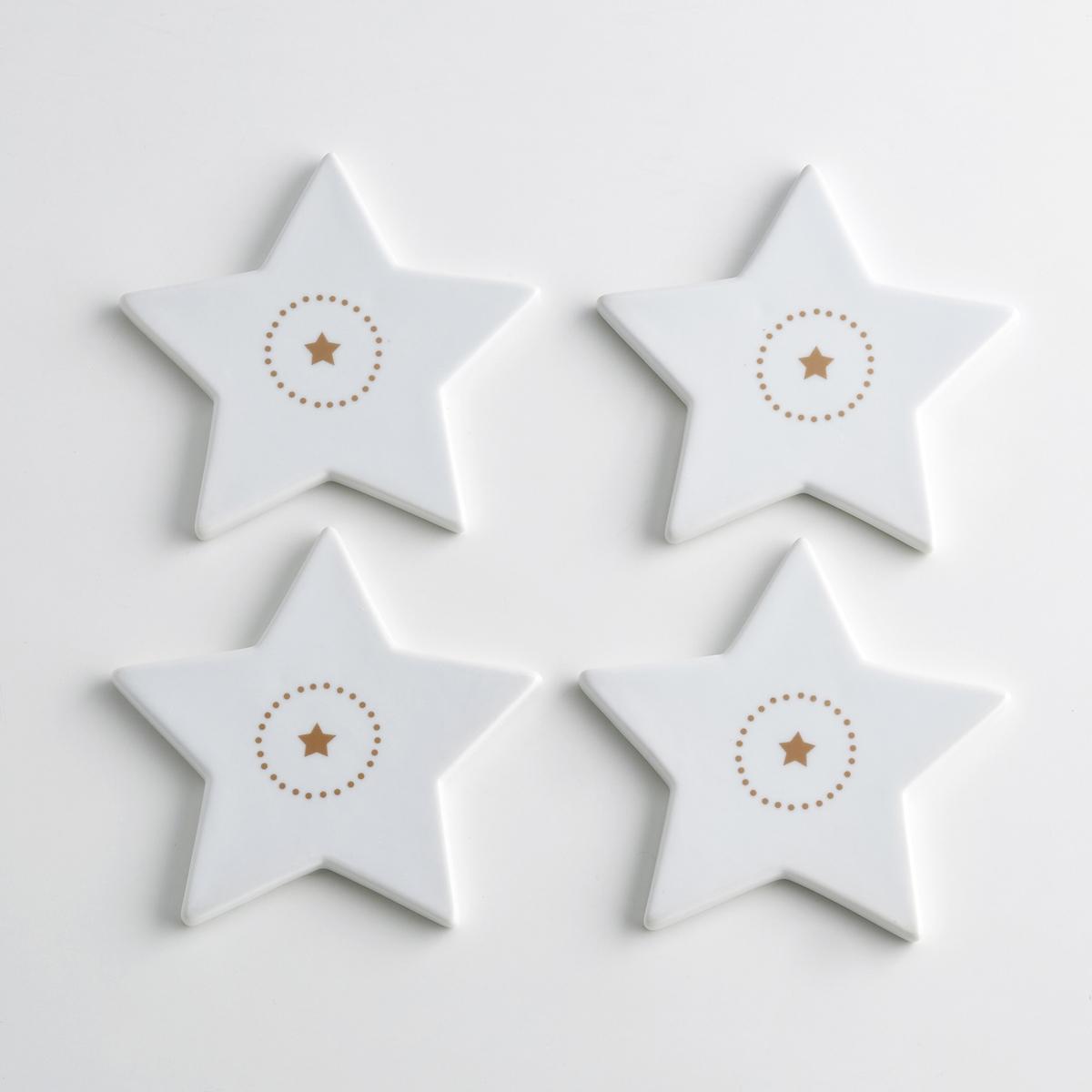 4 подстаканника из фарфора, KublerНабор из 4 подстаканников в форме звезды из фарфора Kubler La redoute Int?rieurs .     Благородство фарфора в сочетании с оригинальным рисунком создают очень современный столовый аксессуар . Рисунок в виде звезды по центру и принт в горошек воуруг  .Характеристики 4 подстаканников Kubler :- Подстаканник из фарфора  - Размеры : 12 x 12 см   - Высота : 1 см.- Использование в посудомоечной машине и микроволновой печи запрещено- В комплекте 4 бокалаНайдите комплект посуды из фарфора Kubler на нашем сайте laredoute.ru .<br><br>Цвет: белый