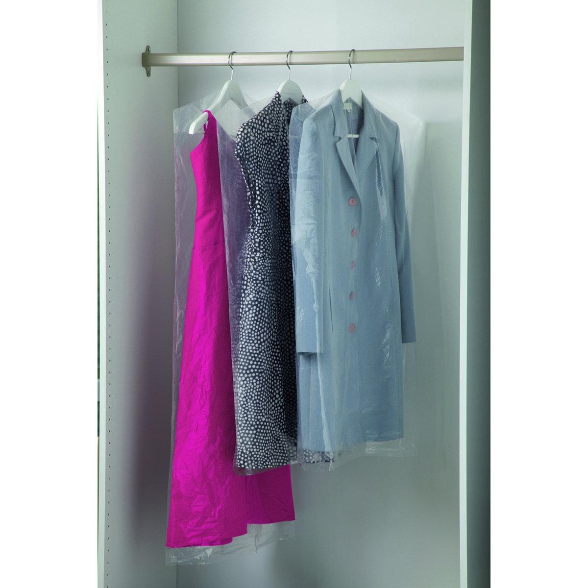 6 чехлов для одеждыХарактеристики 6 защитных чехлов для одежды:выполнены из прозрачного полиэтилена. Прорезь для плечиков длиной 6 см. Застежка в нижней части чехла для легкого натягивания на одежду. Размер 6 защитных чехлов для одежды:2 x Ш. 60 x Д. 135 см, 4 x Ш. 60 x Д. 105 см<br><br>Цвет: бесцветный<br>Размер: единый размер
